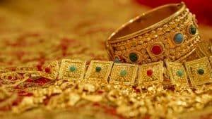 fine-gold-jewellery-with-stones